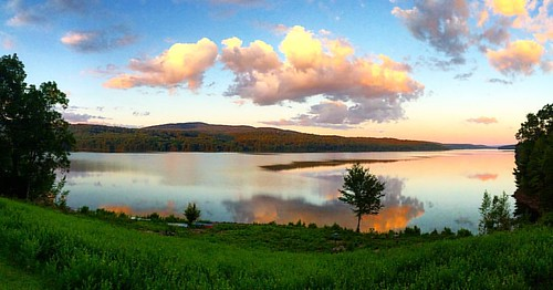 clouds water reflection sunset upstate newyorkstate hudsonvalley rondoutreservoir instagramapp square squareformat iphoneography