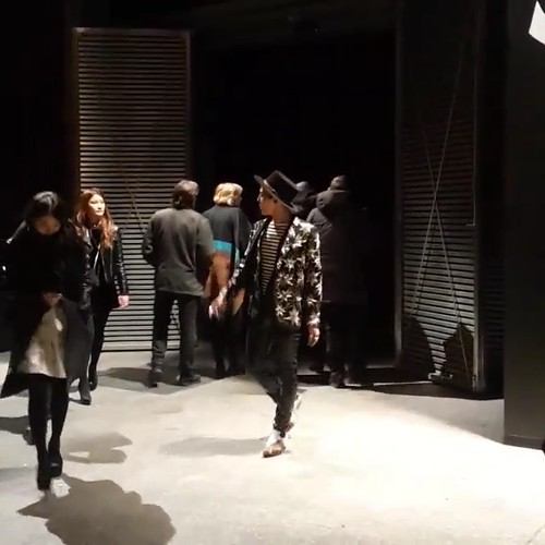 G-Dragon - Saint Laurent Fashion Show - 25jan2015 - oliviapwoo - 2
