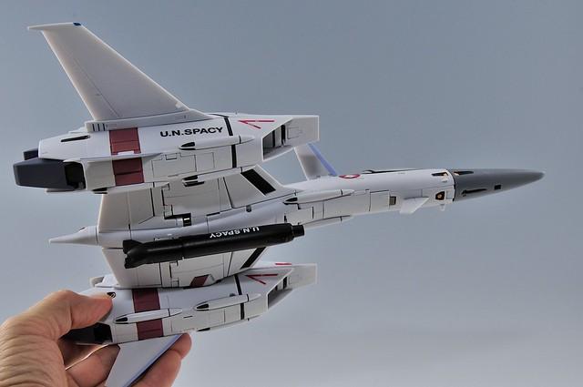 yamato VF-4G VF-1のガンポッドを懸架