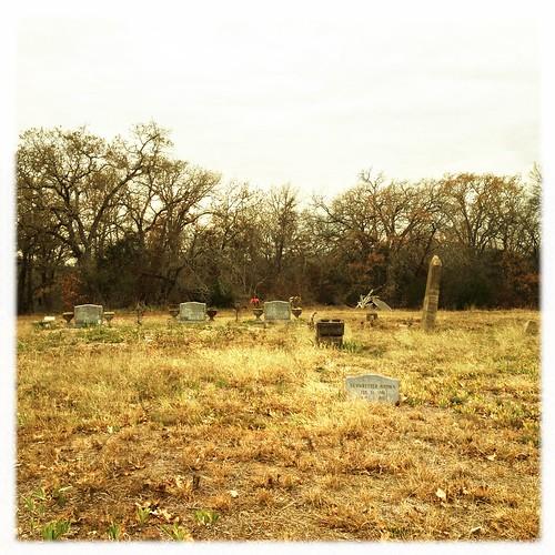 cemetery hipstamatic inas1935film salvador84lens poproxflash jerrybrowncemetery