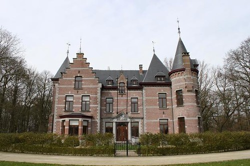 front view of castle near Brussels