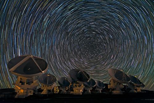 [フリー画像素材] 建築物・町並み, アタカマ大型ミリ波サブミリ波干渉計 (アルマ), 夜空, 星, 風景 - チリ ID:201301071600