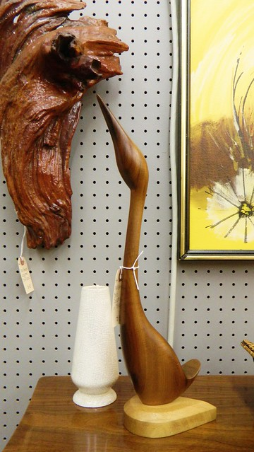 bird carving via homeologymodernvintage.com