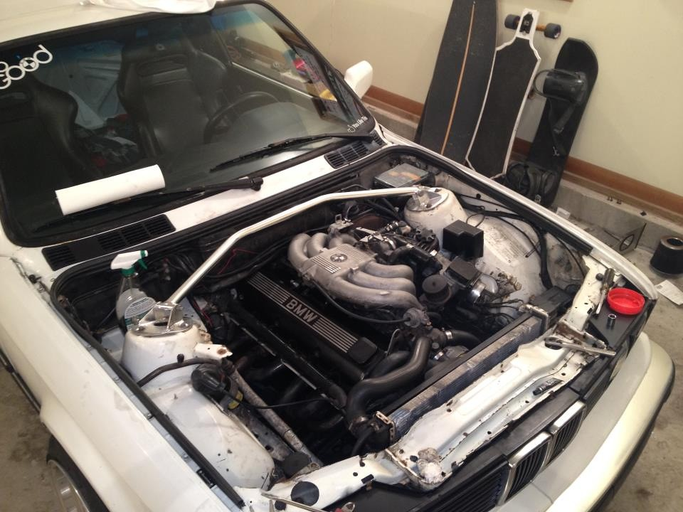 my e30 project (shaved bay wire tuck) lots of pictures h22 engine bay and the start of the wire tuck