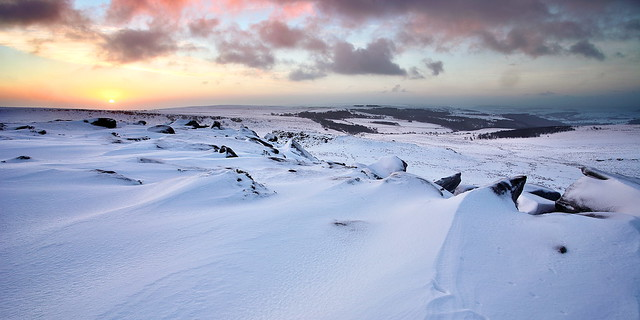 A photography trip up Higger Tor in the snow, in the Peak District National park. Landscape photography by mat robinson
