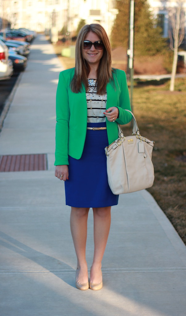 Blue and Green Work Outfit Idea