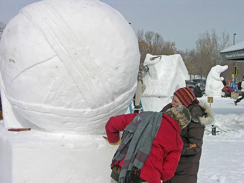 yarn ball sculpting