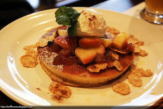 Kohikan - Apple Pancakes