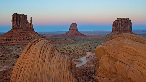 road sunset arizona nature landscape evening utah desert winding monumentvalley mittens 2011 coth supershot tribalpark absolutelystunningscapes damniwishidtakenthat dailynaturetnc13