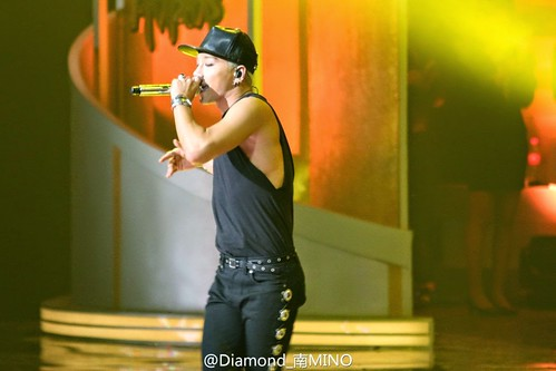 Taeyang-GoldenDisc-Awards-mainshow-20150114-HQs-creditonpicl-5