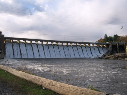 Stevenson Dam Bridge by Coyoty