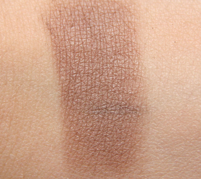Organiqs 033 dusty brown organic eye shadow swatch