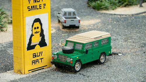 Land Rover Defender in Legoland 8290326543_ef03eb5038
