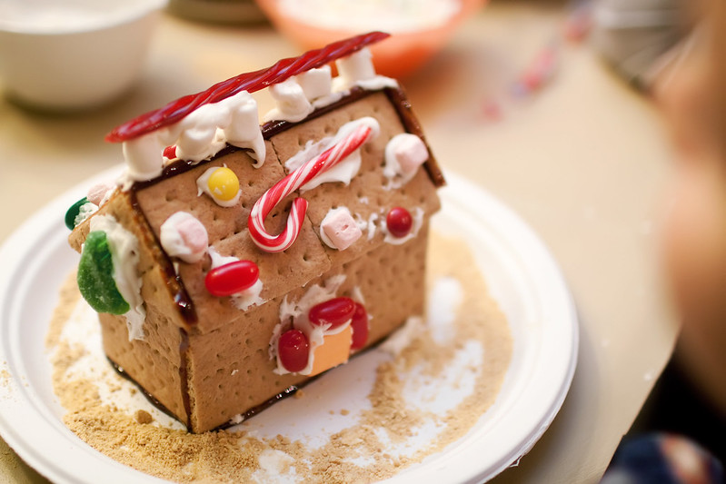IMG_4963Gingerbread2012