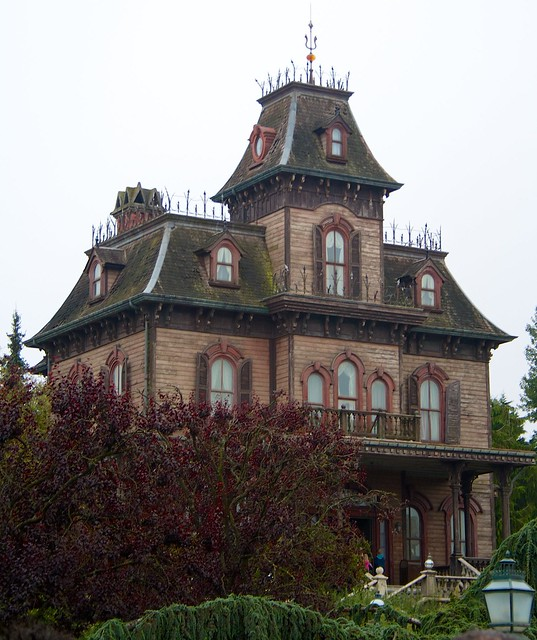 Disneyland Paris Haunted Mansion Halloween