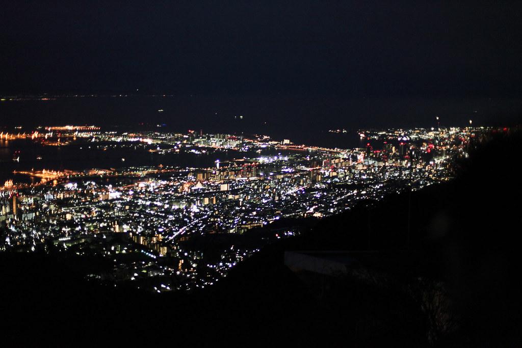 Uzumoridai 4 Chome, Kobe-shi, Higashinada-ku, Hyogo Prefecture, Japan, 0.033 sec (1/30), f/1.4, 50 mm, EF50mm f/1.4 USM
