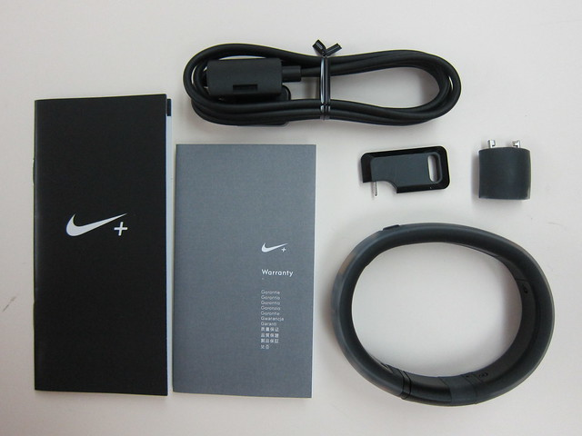 Nike+ FuelBand (Black Ice) - Box Contents
