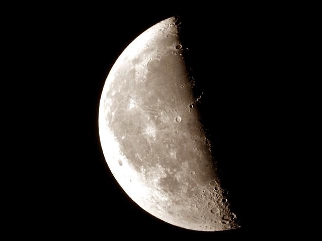8349059386 4310678ff9 for Cuarto menguante de la luna