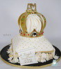 W9143-pillow-crown-wedding-cake-toronto