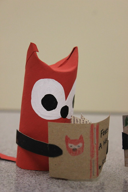 Paper Tube Foxes Reading 3