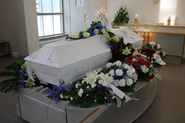 isän hautajaiset 125