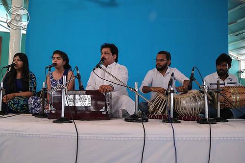 Devotional song by Vinod Kumar and Saathi from Gurgaon Haryana