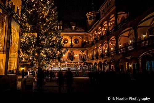 Stuttgarter Weihnachtsmarkt im Hof des alten Schlosses by Dirk Mueller Photography