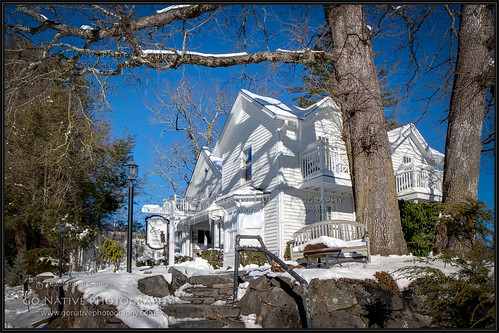 christmas mountain snow mountains architecture farmhouse nc highlands nieve northcarolina bb bedbreakfast federal blueridge 1885 bandb mainstreetinn highlandsnorthcarolina bistroonmain