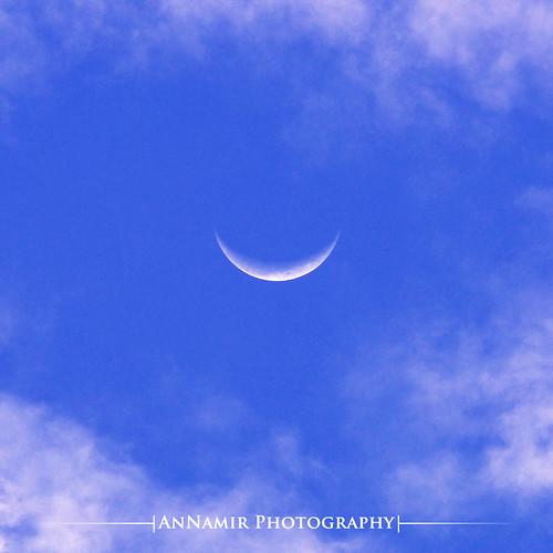 sky moon nature clouds sigma malaysia melaka senyum bulan 200mm bulansabit bukitrambai sifoocom annamir muktasyaf smileymoon cresccent bulandisianghari abangaie hadissenyum