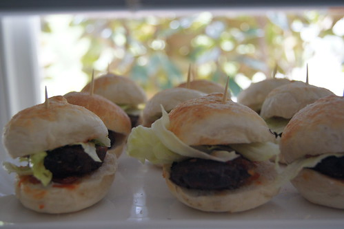 oven baked mini burgers DSC08723