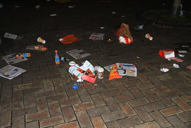 2013台北市跨年晚會垃圾-27-201301010031-賴鵬智攝
