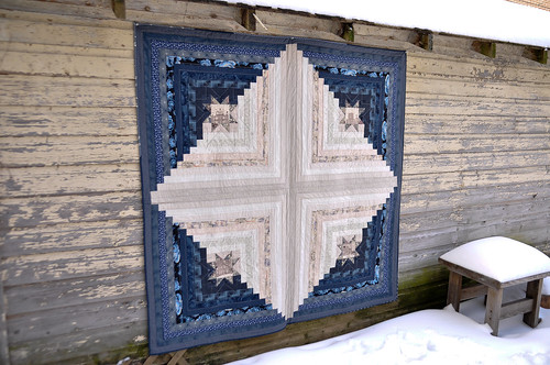 Star-y Log Cabin Quilt