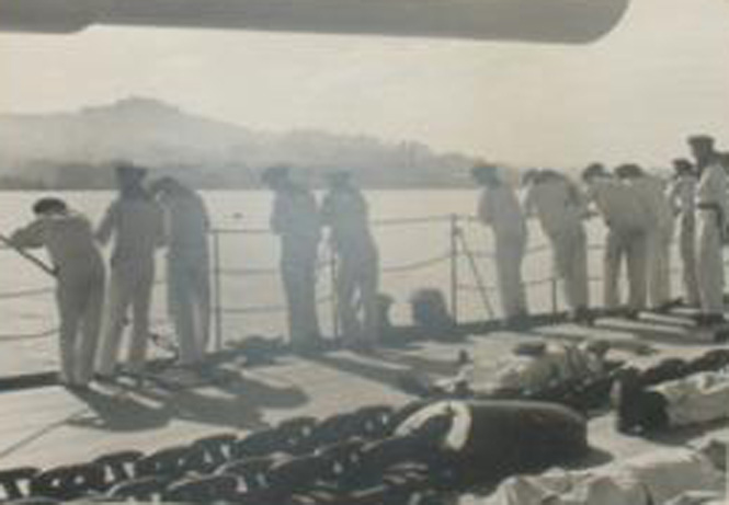 foto acorazado segunda guerra mundial: