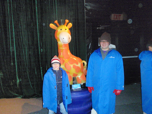 Kids with ice giraffe
