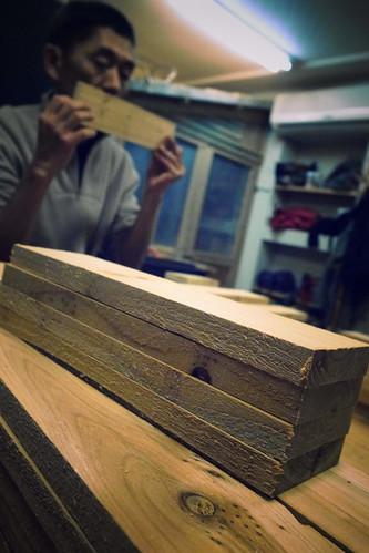 眼前就是我今天的有緣木:底板*2、長邊條*4、短邊條*4、樑*4,今天用的是台灣杉木。