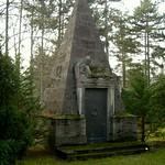 Pyramide auf dem Südfriedhof in Leipzig