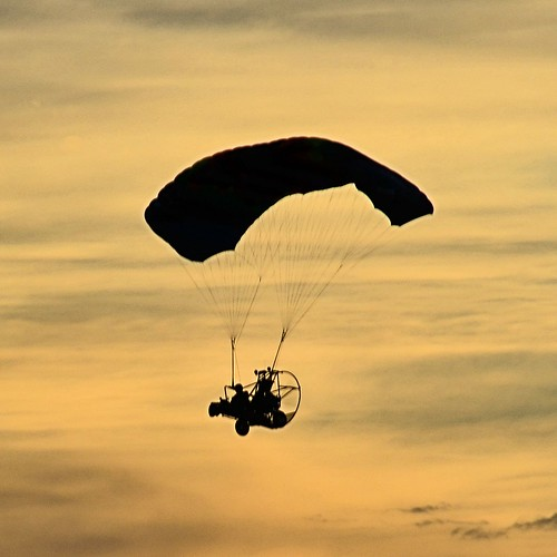 arizona silhouette paragliding yuma sunsetsilhouette motorizedparagliding nikond7000 yumalakes yumalakesrvresort nikkor18to200mmvrlens