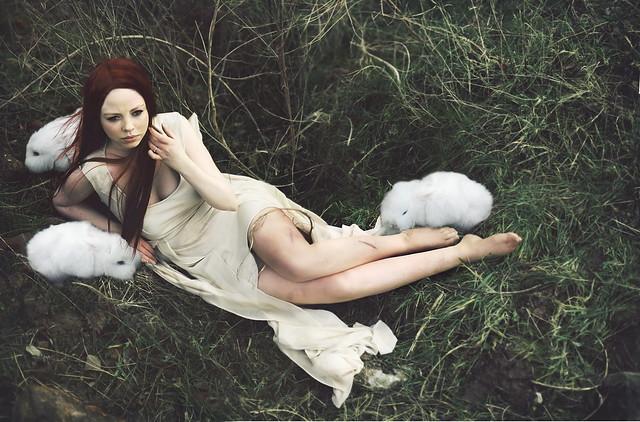 rosiehardy - Escape From Wonderland