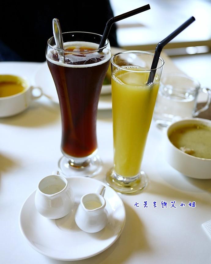 11 義式咖啡 綜合果汁