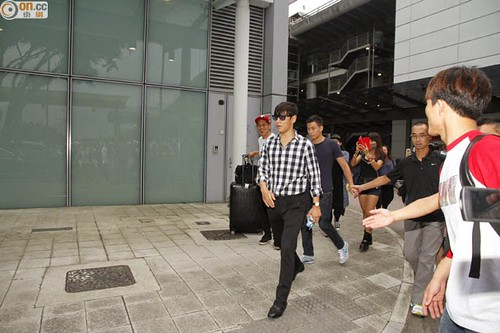 TOP-HongKongAirport-26sep2014-Press-On.Cc-06