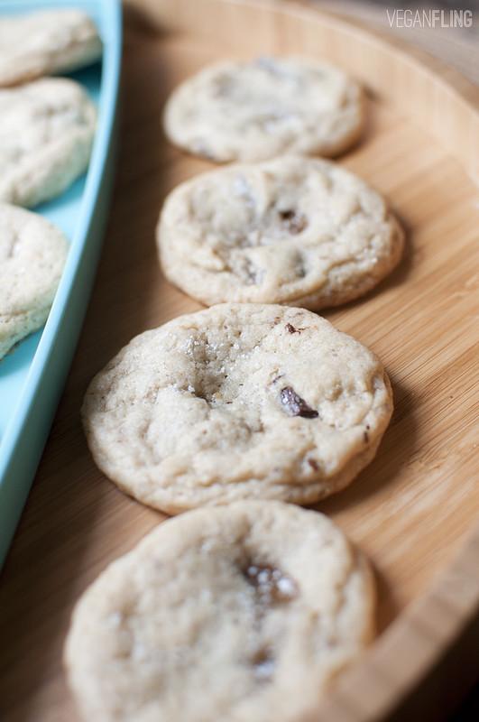 caramelchocolatechipcookies5_veganfling