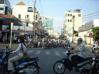 Vietnam turismo: crucero por Halong y escalada