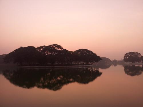 lake sunrise dawn bangalore ulsoor flickrandroidapp:filter=none