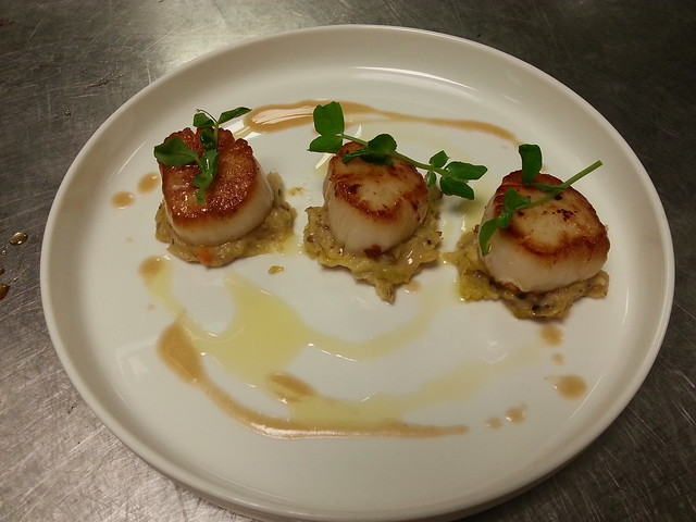 SEARED SCALLOP,TRUFFLED BUBBLE AND SQUEAK POTATO, LOBSTER DRESSING