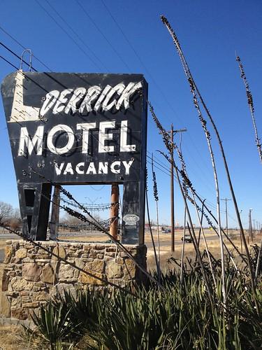 Derrick Motel Abilene Texas Abandoned Neon Sign Vintage IMG_4802
