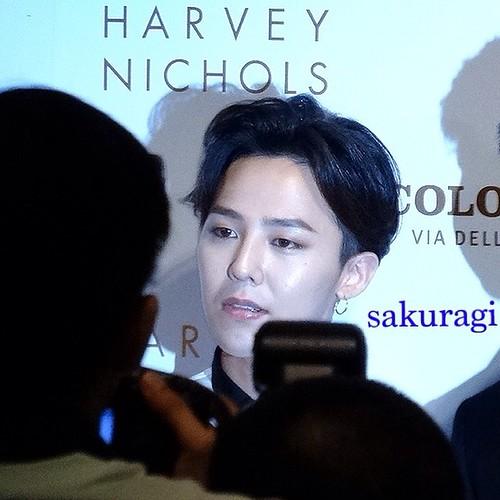 G-Dragon_HarveyNichols-COLOMBO_VIA_DELLA_SPIGA-HongKong-20140806 (55)