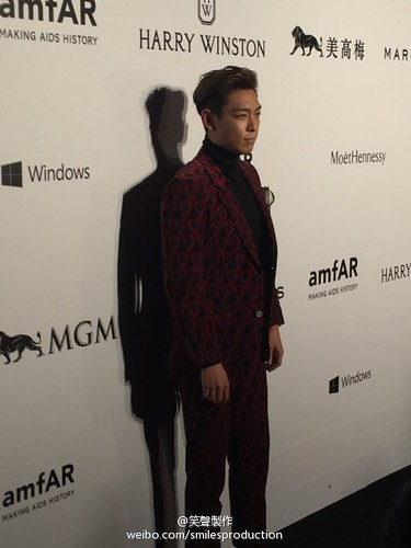 TOP - amfAR Charity Event - Red Carpet - 14mar2015 - smilesproduction - 02