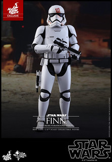 Hot Toys – MMS367 – STAR WARS:原力覺醒【芬恩。血手印白兵版】Finn First Order Stormtrooper Ver. 1/6 比例人偶作品