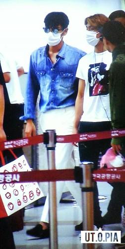 BIGBANG wout Seungri departure Seoul to Tokyo 2016-08-26 (24)