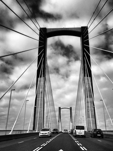 Sobre el puente by Carlos_JG